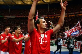 Bayern Munich keep up 4-point gap at top of Bundesliga