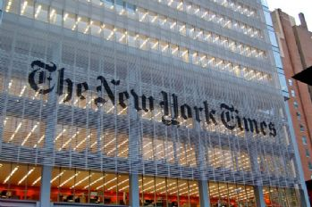 New York Times'tan Clinton'a açık destek